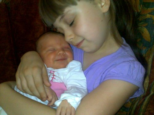 Lara i Lea Nicic Biramo naj fotku dana! (3.11)