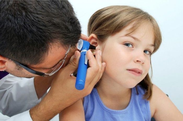 У ребёнка болит ухо что сделать в домашних условиях