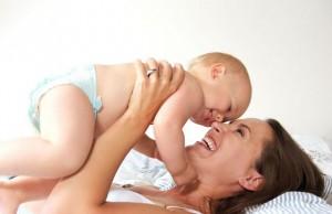 mama i beba u zagrljaju manja ThinkstockPhotos 1805438971 300x194 Naslovna