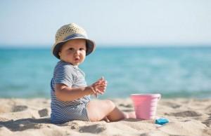 beba na plazi manja ThinkstockPhotos 515156006 300x194 Naslovna
