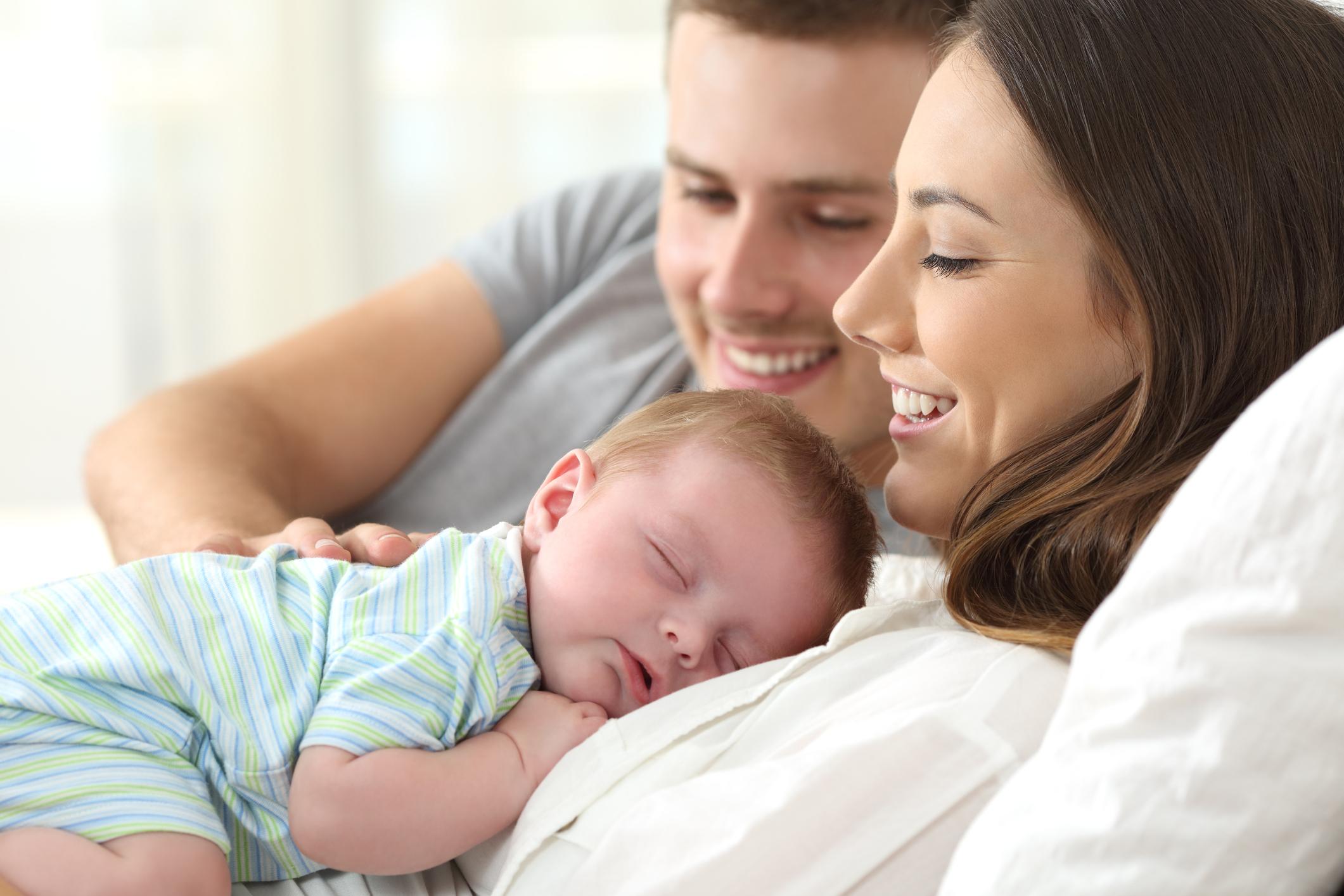 ThinkstockPhotos 829378958 Da li tata može uzeti porodiljsko bolovanje?